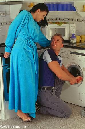 Домохозяйка Трахается В Прачечной 31 Фото